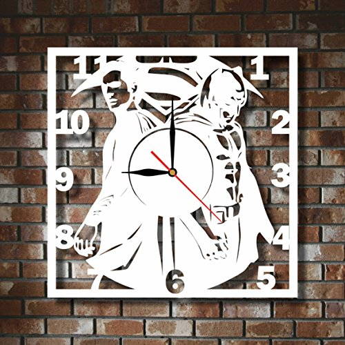 "BEST SELLING OFFER CUT OF PLASTIC 114"" Superman and Batman WALL CLOCK NON-TICKLING CLASSIC WHITE FOR ANY TYPE OF ROOM"